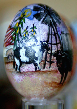 Painted egg by Vicky Gellinger, Bancroft, NE