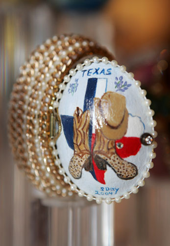 painted egg by Ms. Sandra J. Day, Cleburne, TX