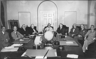 President Franklin Roosevelt meets with the members of the Pacific War ...