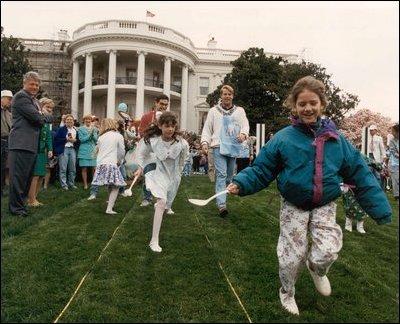 Reagan Bush Sr Clinton 1981 2001