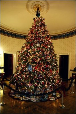 Whitehouse 2017 Christmas Decorations >> The White House Christmas 2003