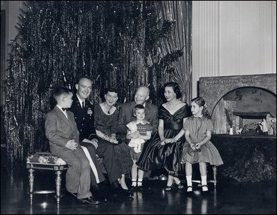 Historical white house christmas president dwight d eisenhower and family christmas 1955 publicscrutiny Image collections