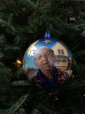 Iowa Congressman Bruce Braley selected artist Rose Frantzen to decorate the 1st District's ornament for the 2008 White House Christmas Tree.