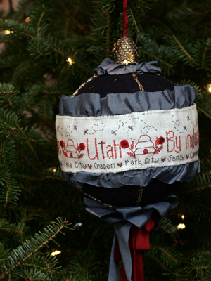 Utah Senator Orrin Hatch selected artist Teri Richards to decorate the State's ornament for the 2008 White House Christmas Tree