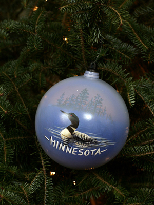 Minnesota Senator Amy Klobuchar selected artist Joseph Hautman to decorate the State's ornament for the 2008 White House Christmas Tree