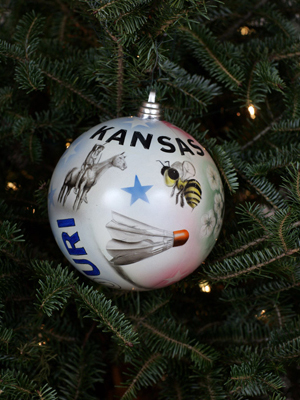 Missouri Congressman Emanuel Cleaver selected artist Darryl Hernandez to decorate the 5th District's ornament for the 2008 White House Christmas Tree.
