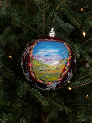 Maryland Congressman Chris Van Hollen selected artist Millie Shott to decorate the 8th District's ornament for the 2008 White House Christmas Tree