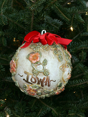 Iowa Congressman Tom Latham selected artist Sherry Goshon to decorate the 4th District's ornament for the 2008 White House Christmas Tree