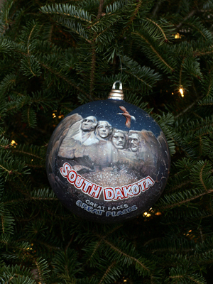 South Dakota Senator Tim Johnson selected artist John Green to decorate the State's ornament for the 2008 White House Christmas Tree