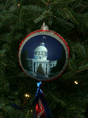 Alabama Congressman Mike Rogers selected artist Carolyn Morris to decorate the 3rd District's ornament for the 2008 White House Christmas Tree.