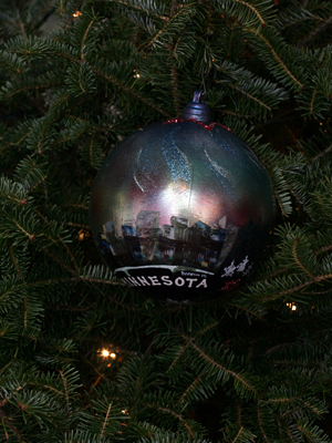 Minnesota Congressman Keith Ellison selected artist David Allan Beaman to decorate the 5th District's ornament for the 2008 White House Christmas Tree