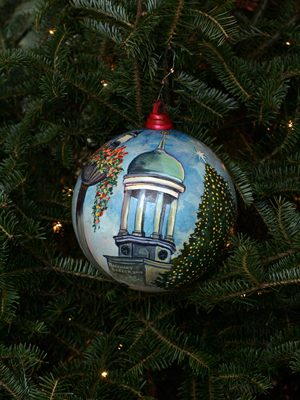 Pennsylvania Congressman Charlie Dent selected artist Rosemary Geseck to decorate the 15th District's ornament for the 2008 White House Christmas Tree.