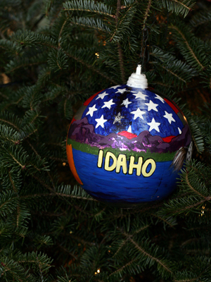 Idaho Congressman Bill Sali selected artist Bernadette Loibl to decorate the 1st District's ornament for the 2008 White House Christmas Tree