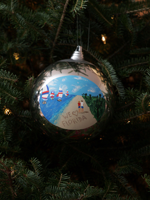 Florida Senator Mel Martinez selected artist Edie Fagan to decorate the State's ornament for the 2008 White House Christmas Tree