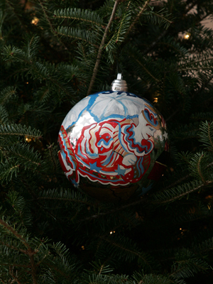 Pennsylvania Senator Arlen Specter selected artist Diane Hark to decorate the State's ornament for the 2008 White House Christmas Tree.