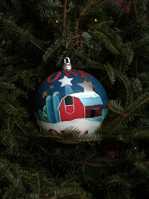 Iowa Senator Chuck Grassley selected artist Michael Blaser to decorate the State's ornament for the 2008 White House Christmas Tree.