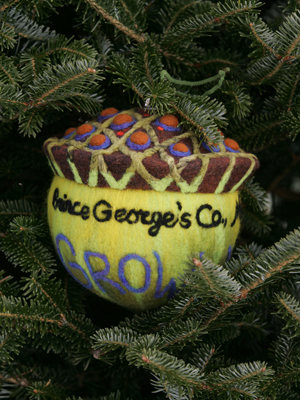 Maryland Congresswoman Donna Edwards selected artist Barb Bancroft to decorate the 4th District's ornament for the 2008 White House Christmas Tree.