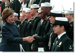 Laura Bush greets sailors aboard the USS Shiloh during a Troops to Teachers recruitment event in San Diego, March 23, 2001.  White House photo by Paul Morse