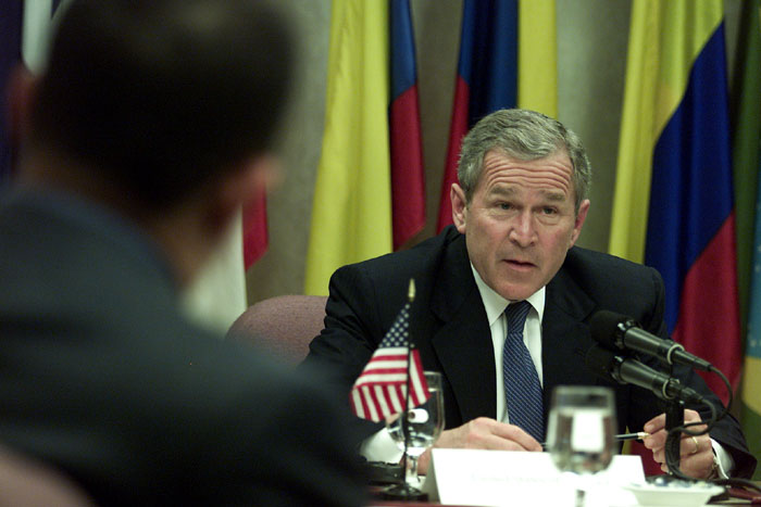 President Bush meets with Andean leaders at the Summit of the Americas.