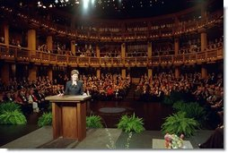 Laura Bush addresses the Golden Apple Awards ceremony attendees at the Shakespeare Theater in Chicago, Illinois May 14, 2001.  White House photo by Paul Morse