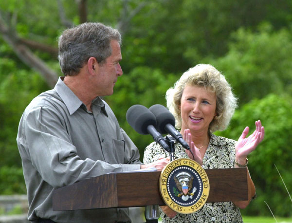 President George W. Bush looks to Fran Maniella after announcing her as Director of National Parks Service during remarks at Royal Palm Visitors Center at Everglades National Park in Florida, Monday June 4. WHITE HOUSE PHOTO BY ERIC DRAPER