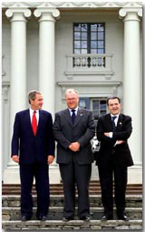 President George W. Bush poses with Swedish Prime Minister Groan Person and European Union Commission President Romano Prodi at Gunnebo Slot near Goteborg, Sweden on Wednesday June 14, 2001. WHITE HOUSE PHOTO BY PAUL MORSE