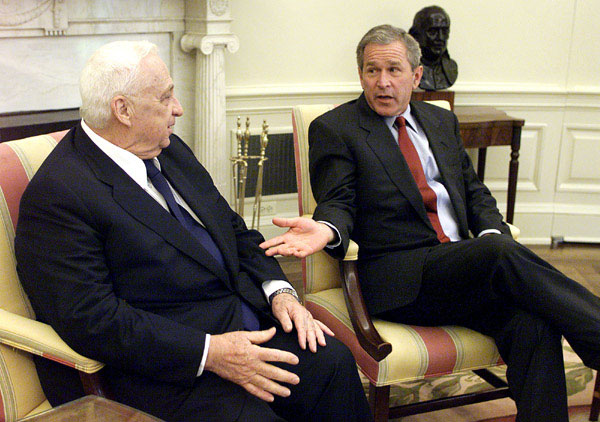 President Bush announces the nomination of Howard Baker as Ambassador to Japan Tuesday, June 26, at the White House. WHITE HOUSE PHOTO BY PAUL MORSE