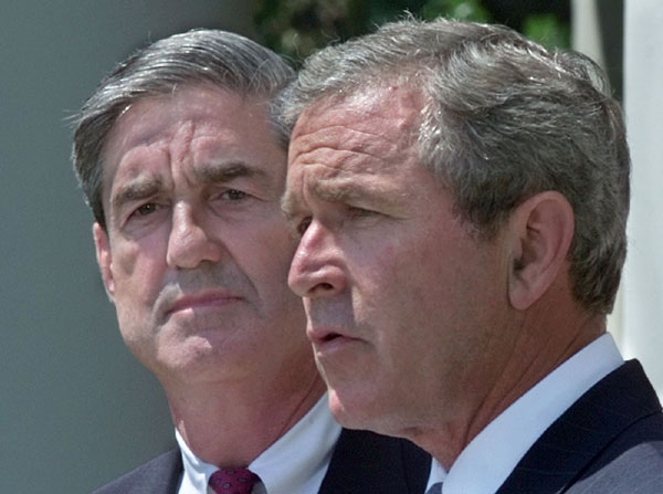 President George W. Bush announces Robert Mueller to be director of the FBI during an event in the Rose Garden, Thursday, July 5, 2001. WHITE HOUSE PHOTO BY ERIC DRAPER