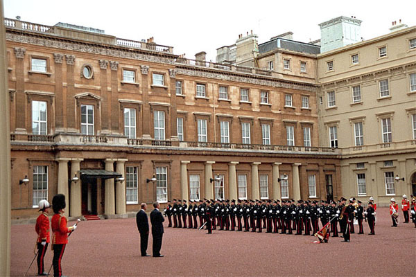 Upon entering the courtyard at Buckingham Palace, an arrival ceremony is performed for the President. White House photo by Eric Draper.