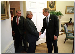 President George W. Bush welcomes Prime Minister Vajpayee of India to the Oval Office Friday, November 9. White House photo by Eric Draper.