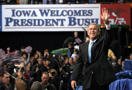 President George W. Bush waves to the crowd after addressing the Iowa Welcome in Cedar Rapids, Iowa, Monday, Nov. 4. White House photo by Eric Draper.