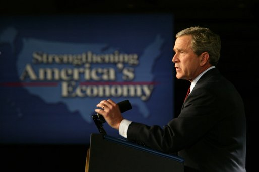President George W. Bush speaks to the Economic Club of Chicago, Ill., about his growth and jobs plan to strengthen the American economy Tuesday, January 7, 2003. White House photo by Paul Morse.