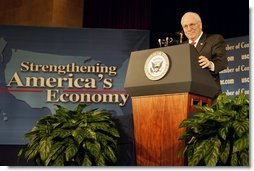 Vice President Dick Cheney speaks about the President's Job and Growth Package at the U.S. Chamber of Commerce Friday, Jan. 10, 2003. White House photo by David Bohrer.
