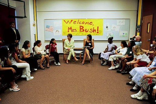 Laura Bush visits the 5th grade class of Teach for America teacher Beth Berselli at Maxine O. Bush Elementary School in Phoenix, Ariz., May 9, 2003. White House photo by Susan Sterner
