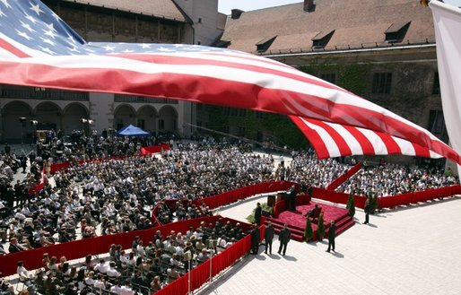 President George W. Bush delivers his speech in the courtyard of the Wawel Royal Palace in Krakow, Poland, Saturday, May 31, 2003. White House photo by Paul Morse