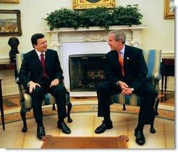 President George W. Bush meets with Prime Minister Jose Manuel Durao of Portugal in the Oval Office Friday, June 6, 2003.  White House photo by Tina Hager