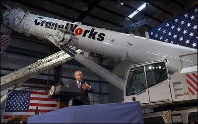 President George W. Bush delivers remarks on the economy at CraneWorks\' equipment warehouse in Birmingham, Ala., Monday, Nov. 3, 2003. White House photo by Eric Draper. White House photo by Eric Draper