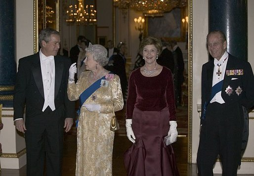 President George W. Bush and Laura Bush arrive with Her Majesty Queen Elizabeth II and Prince Philip, Duke of Edinburgh, for a State Banquet at Buckingham Palace Wednesday, Nov. 19, 2003. White House photo by Eric Draper.