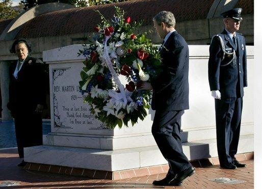President George W Bush And Coretta Scott King Left Participate