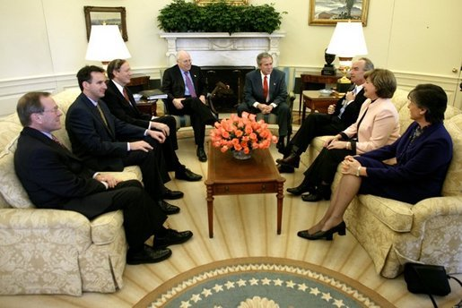 President George W. Bush and Vice President Dick Cheney meet with a delegation of Governors, who recently returned from a 4-day visit to Iraq, in the Oval Office, Friday, Feb. 13, 2004. From left, they are: Gov. Ted Kulongoski, R-Ore.; Gov. Tim Pawlenty, R-Minn.; Gov. George Pataki, R-N.Y.; Gov. Dirk Kempthorne, D-Idaho; Gov. Kathleen Blanco, D-La.; and Gov. Linda Lingle, R-Hawaii. White House photo by Eric Draper