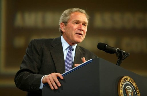 President George W. Bush gives remarks to the American Associations of Community Colleges annual convention in Minneapolis, Minn., Monday, April 26, 2004. White House photo by Paul Morse.