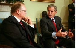 President George W. Bush meets with Swedish Prime Minister Goran Persson in the Oval Office Wednesday, April 28, 2004.  White House photo by Paul Morse