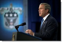 President George W. Bush delivers remarks on Iraq and the War on Terror at the U.S. Army War College in Carlisle, Pennsylvania, Monday, May 24, 2004.  White House photo by Eric Draper
