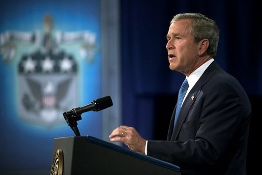 President George W. Bush delivers remarks on Iraq and the War on Terror at the U.S. Army War College in Carlisle, Pennsylvania, Monday, May 24, 2004. White House photo by Eric Draper.