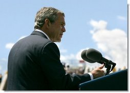 President George W. Bush delivers remarks at the United States Air Force Academy Graduation Ceremony in Colorado Springs, Colorado, June 2, 2004.  White House photo by Eric Draper