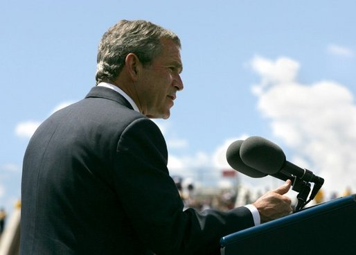 President George W. Bush delivers remarks at the United States Air Force Academy Graduation Ceremony in Colorado Springs, Colorado, June 2, 2004. White House photo by Eric Draper.