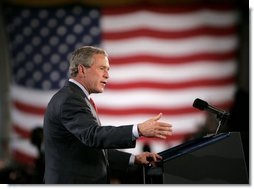 President George W. Bush delivers remarks to military personnel at Fort Lewis, Washington, Friday, June 18, 2004.  White House photo by Eric Draper