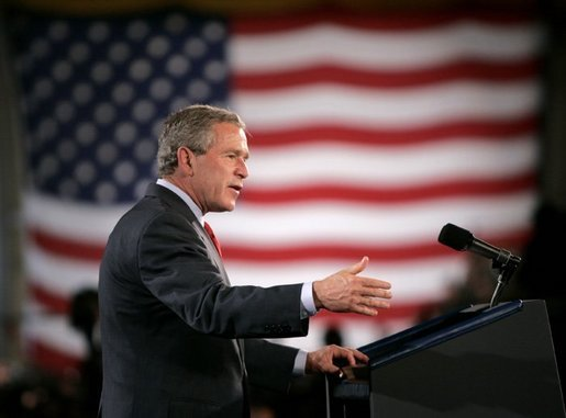 President George W. Bush delivers remarks to military personnel at Fort Lewis, Washington, Friday, June 18, 2004. White House photo by Eric Draper.