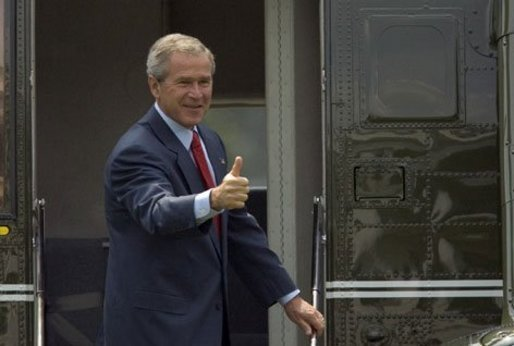 President George W. Bush departs the White House for Pennsylvania and West Virginia on Tuesday August 17, 2004. White House photo by Paul Morse.