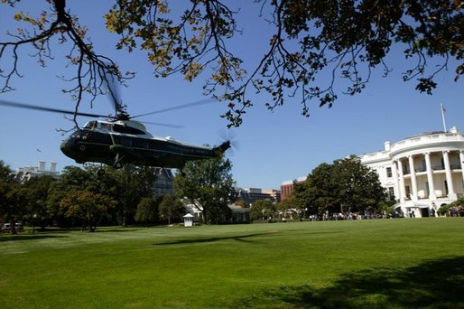 After addressing the media, President George W. Bush departs the South Lawn aboard Marine One Thursday, Oct. 7, 2004. White House photo by Tina Hager